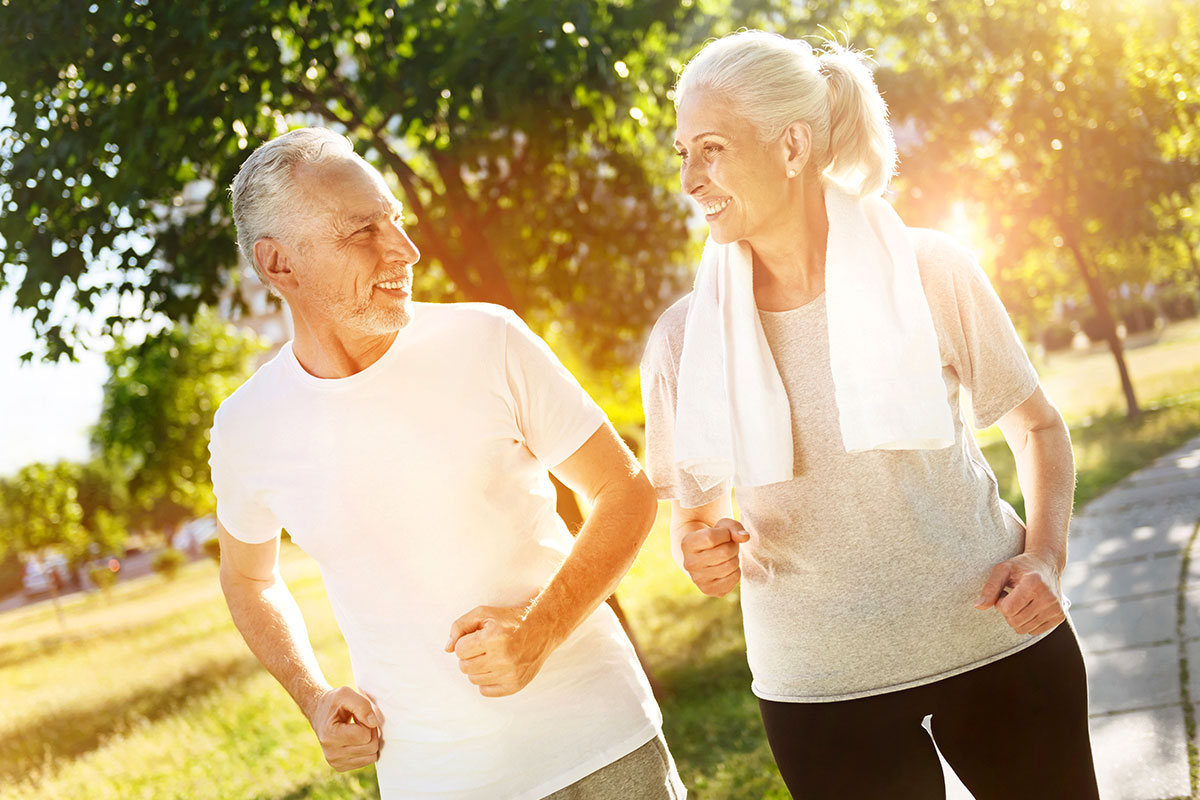 elderly-couple-jogging
