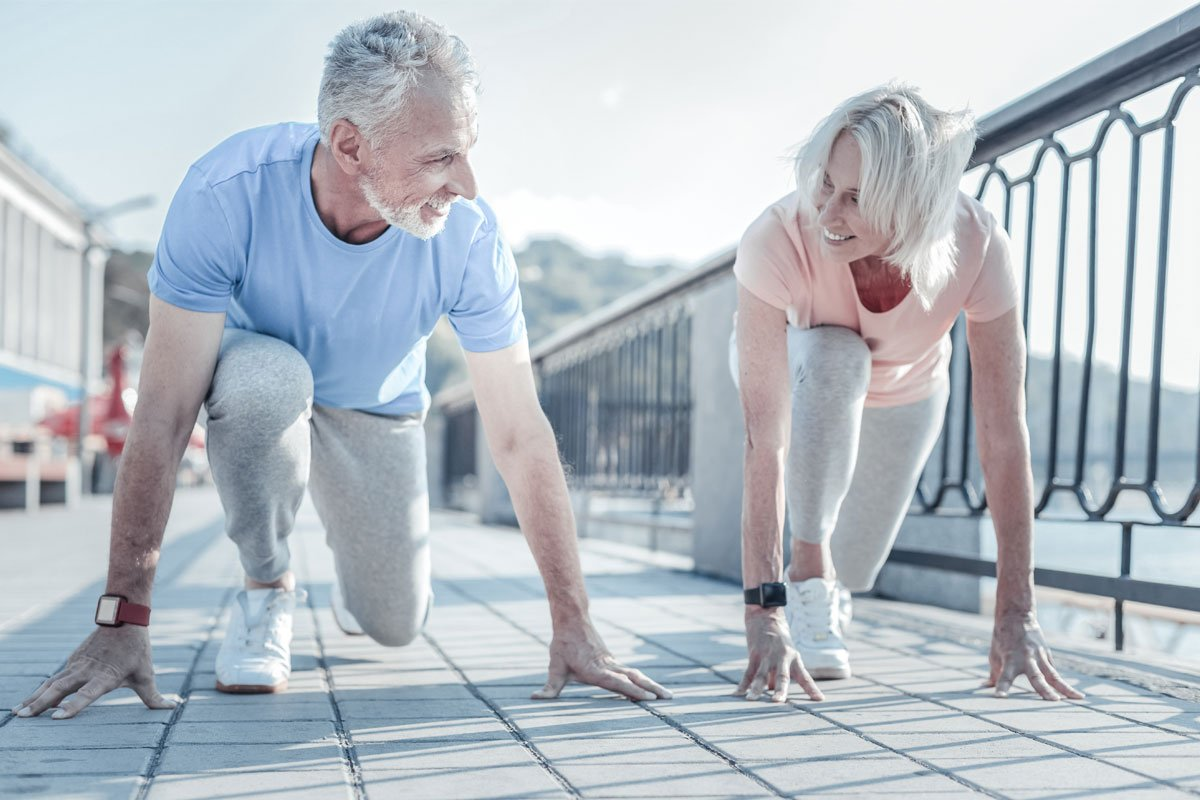 elderly-couple-getting-ready-to-race